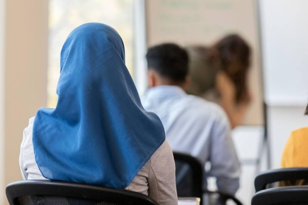Mengapa Islam Menganjurkan Untuk Mempelajari Ilmu Pengetahuan di Dunia