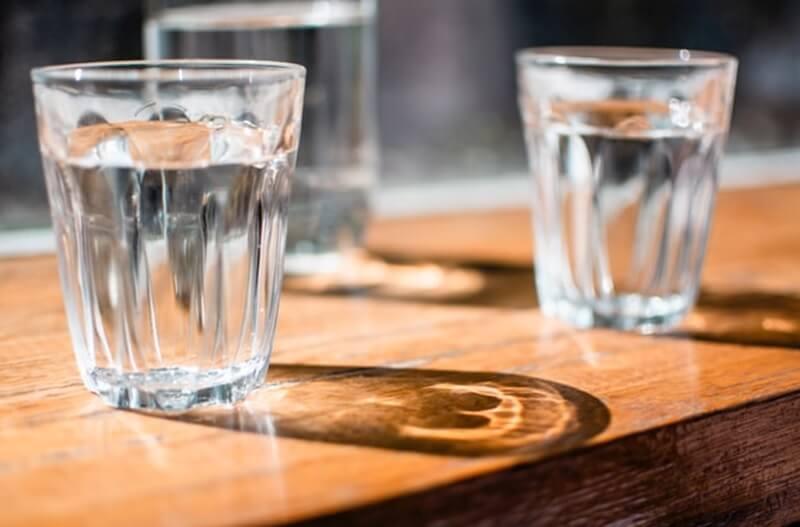 Bisnis air isi ulang di Indonesia