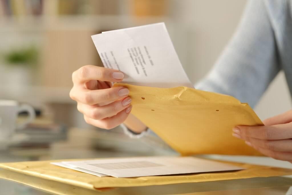Mengapa Seseorang Menulis Surat Pribadi