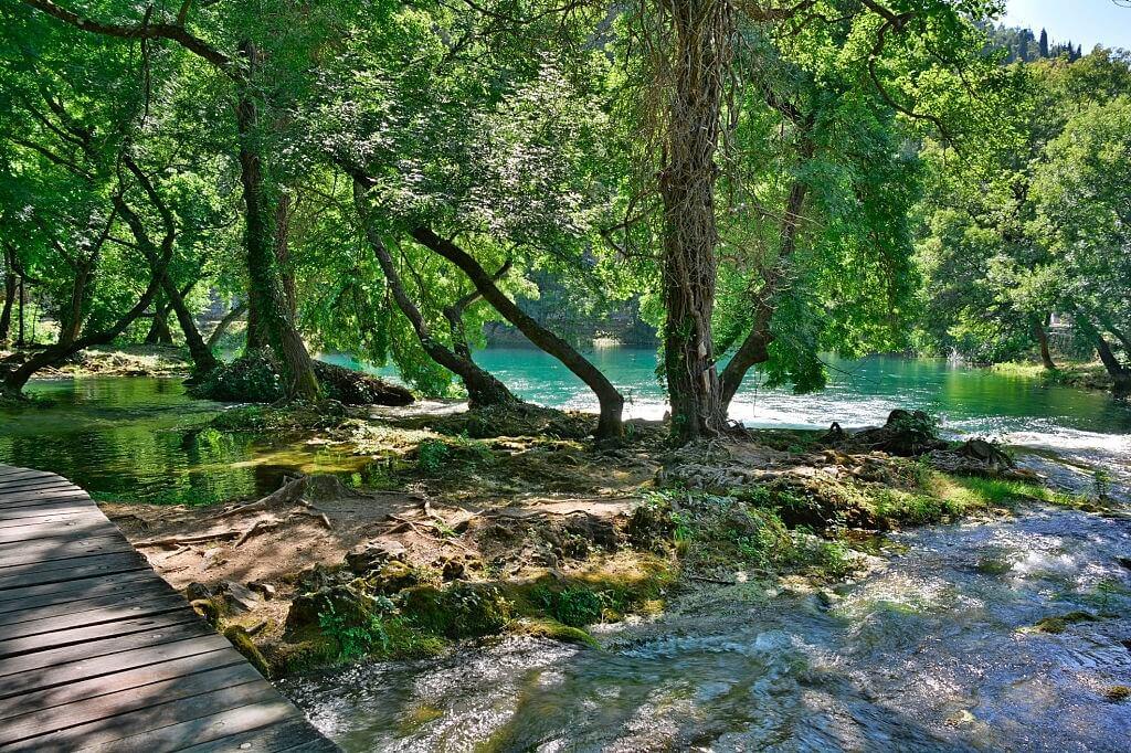 Mengapa para ahli banyak melakukan penelitian manusia purba di bantaran sungai